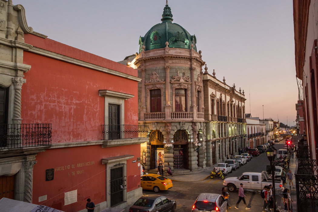 Centro de Oaxaca con Iglesia