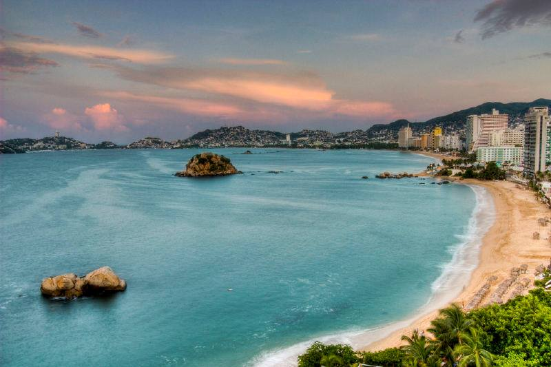 Vista aérea de playa de Acapulco
