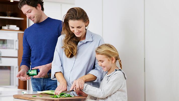 Familia-tomando-suplementos