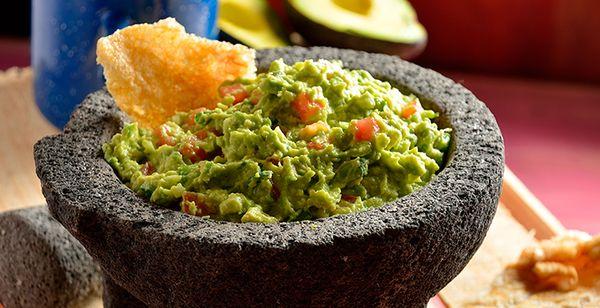 guacamole en molcajete